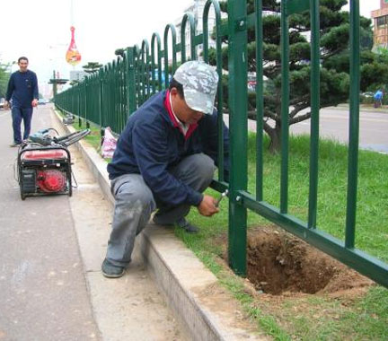 重庆人行道护栏定制