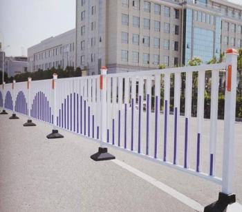 重庆道路护栏施工